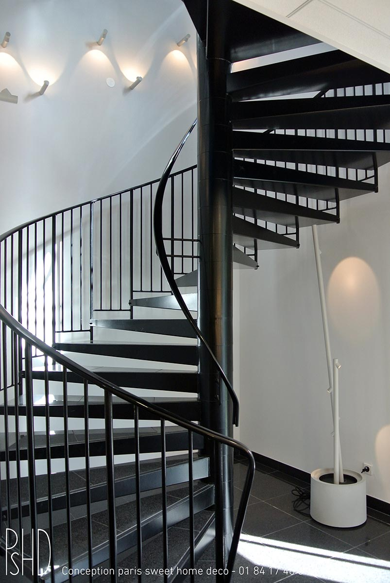 decoration-escalier-bureau