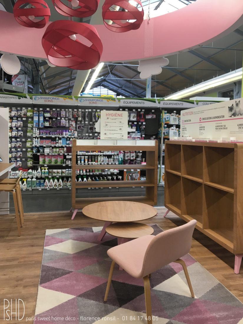 paris sweet home deco ROYAL CANIN scénographie merchandising de boutique shop in store Truffaut